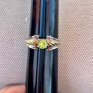 Vintage Two tone peridot ring